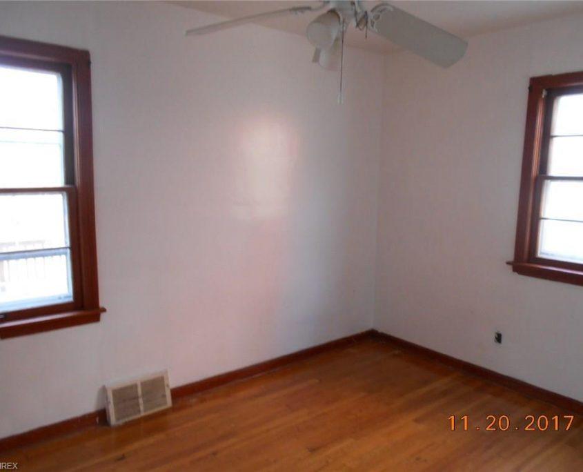 בתים בארצות הברית - בית למכירה בארצות הברית (קליבלנד אוהיו) - חדר לדוגמא בבית