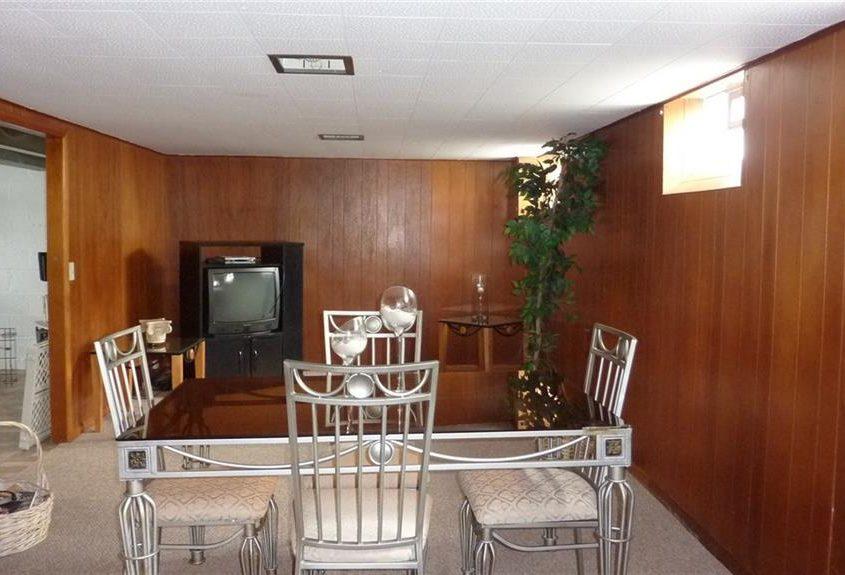 בתים בארצות הברית - בית למכירה בארצות הברית (קליבלנד אוהיו) - חדר אוכל בבית