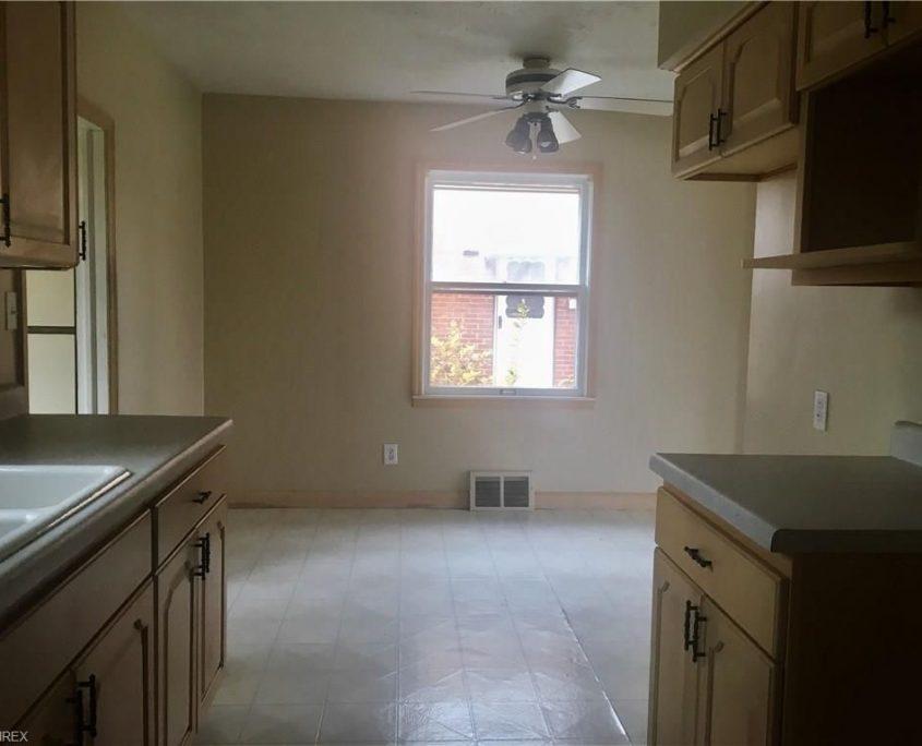 בתים בארצות הברית - בית למכירה בארצות הברית (קליבלנד אוהיו) - חדר כביסה בבית