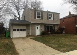 בתים בארצות הברית - בית למכירה בארצות הברית (קליבלנד אוהיו) - גיבה וכניסה לבית