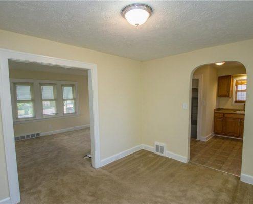 בתים בארצות הברית - בית למכירה בארצות הברית (קליבלנד אוהיו) - סלון בית ריק