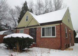 בתים בארצות הברית - בית למכירה בארצות הברית (קליבלנד אוהיו) - חזית הבית בחורף
