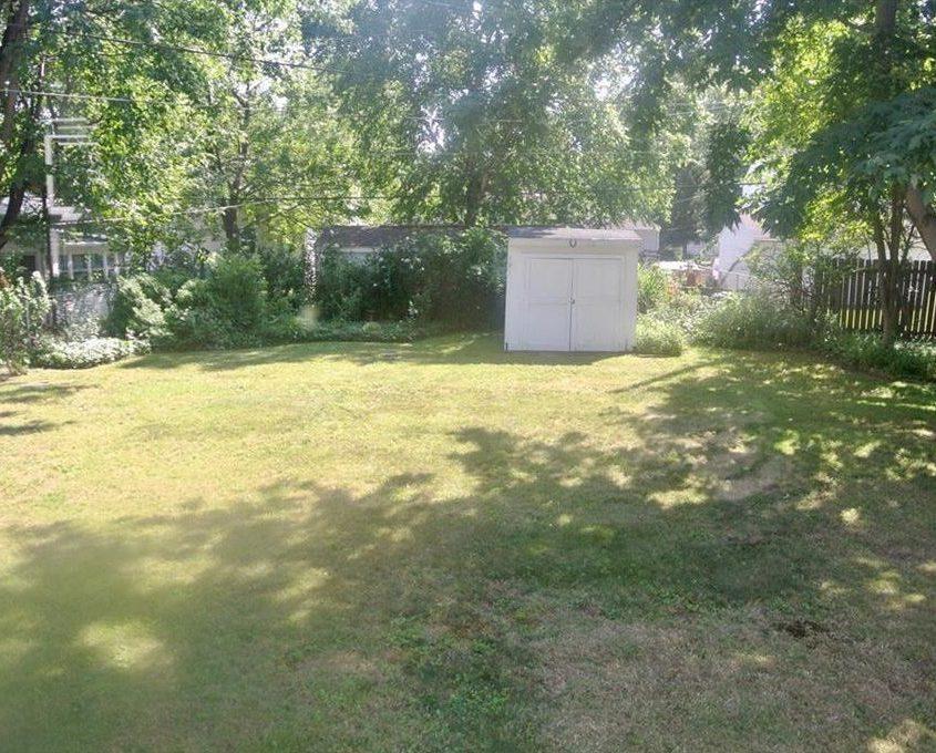 בתים בארצות הברית - בית למכירה בארצות הברית (קליבלנד אוהיו) - גינת הבית
