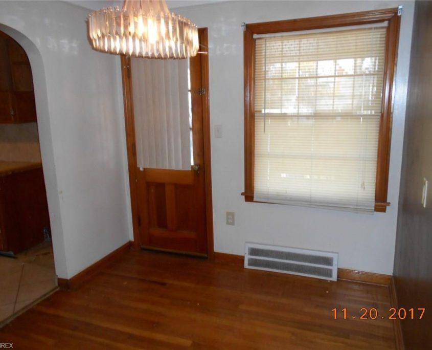 בתים בארצות הברית - בית למכירה בארצות הברית (קליבלנד אוהיו) - הכניסה לבית