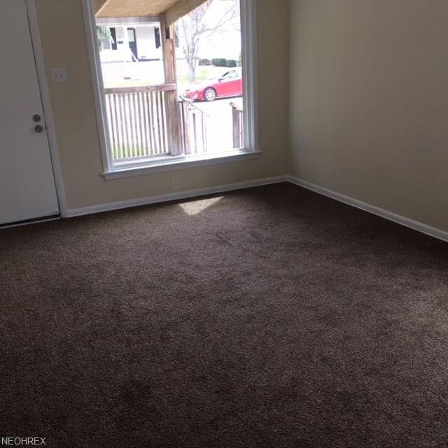 בתים בארצות הברית - בית למכירה בארצות הברית (סאוט יוקליד אוהיו) - סלון הבית
