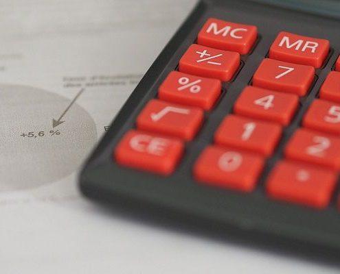 """חישוב סיכונים בהשקעות נדל""""ן בחו""""ל"""