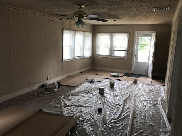 בתים בארצות הברית - בית למכירה בארצות הברית (EASTLAKE OHIO) - סלון
