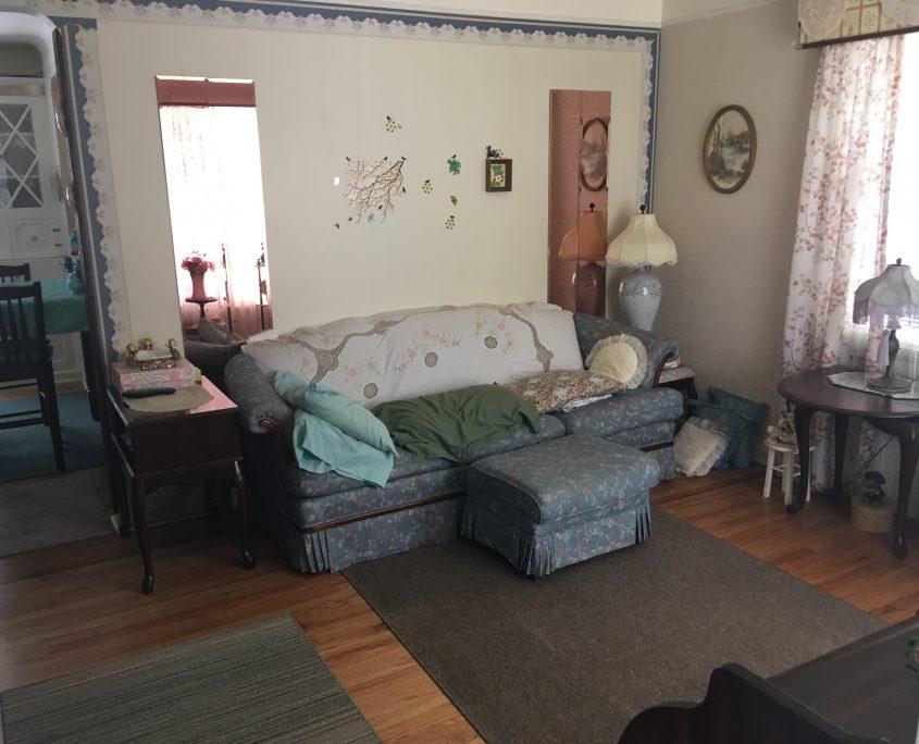 בתים בארצות הברית - בית למכירה בארצות הברית (יוקליד OHIO) - סלון הבית