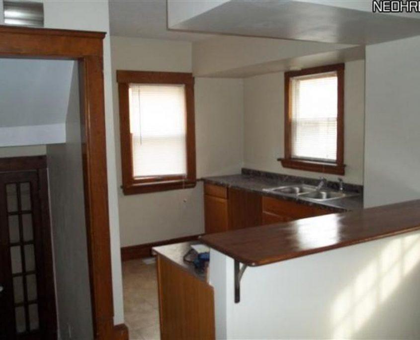 בתים בארצות הברית - בית למכירה בארצות הברית (קליבלנד הייטס אוהיו ) - מטבח CABINETS COUNTER TOP