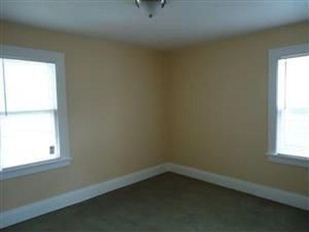 בתים בארצות הברית - בית למכירה בארצות הברית (קליבלנד הייטס אוהיו ) - חדר אורחים