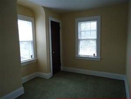 בתים בארצות הברית - בית למכירה בארצות הברית (קליבלנד הייטס אוהיו ) - כניסה לנכס