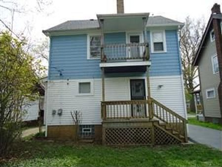 בתים בארצות הברית - בית למכירה בארצות הברית (קליבלנד הייטס אוהיו ) - בית צמוד קרקע גינה