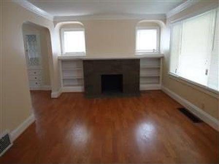 בתים בארצות הברית - בית למכירה בארצות הברית (קליבלנד הייטס אוהיו ) - סלון