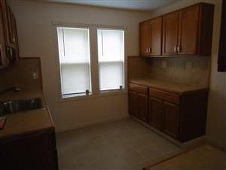 בתים בארצות הברית - בית למכירה בארצות הברית (קליבלנד הייטס אוהיו ) - מטבח