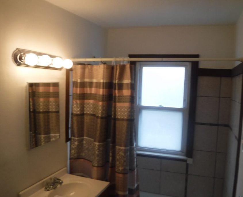 בתים בארצות הברית - בית למכירה בארצות הברית (יוקליד אוהיו ) - אמבטיה