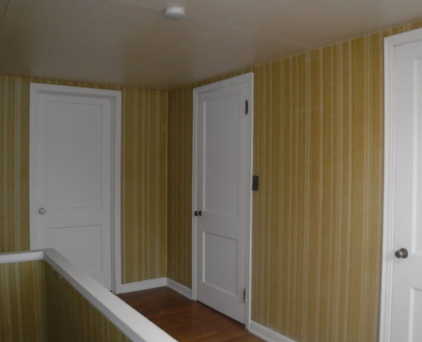 בתים בארצות הברית - בית למכירה בארצות הברית (יוקליד אוהיו ) - מסדרון קומה שנייה