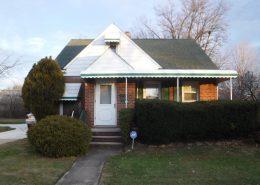 בתים בארצות הברית - בית למכירה בארצות הברית (יוקליד אוהיו ) - חזית הנכס