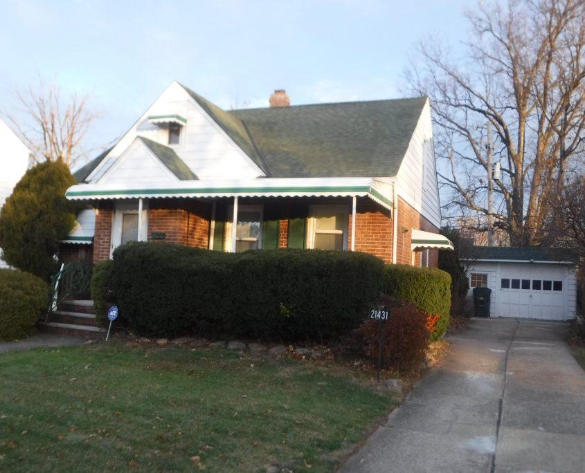 בתים בארצות הברית - בית למכירה בארצות הברית (יוקליד אוהיו ) - חזית הבית