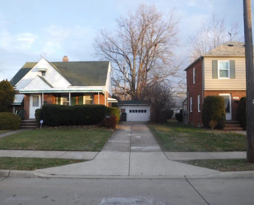 בתים בארצות הברית - בית למכירה בארצות הברית (יוקליד אוהיו ) - exterior מבנה הבית